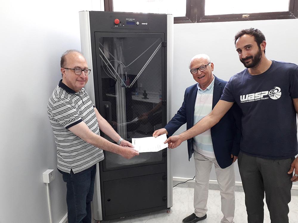 WASP in Siria - Consegna laboratorio di protesi in 3d al prof Firas